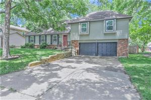 Photo of 6416 W 101 Street, Overland Park, KS 66212 (MLS # 2173152)