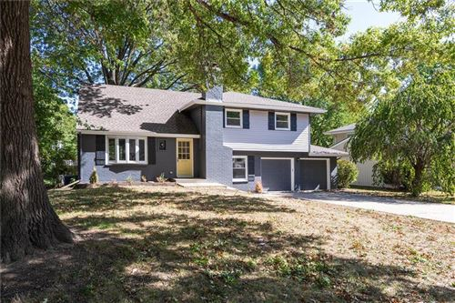 Photo of 9105 Hayes Drive, Overland Park, KS 66212 (MLS # 2249155)