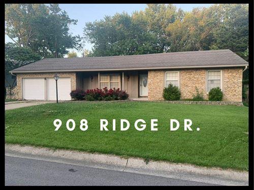 Photo of 908 Ridge Drive, Warrensburg, MO 64093 (MLS # 2231158)