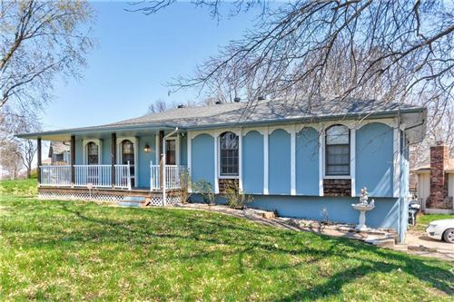 Photo of 19200 E 20th Street, Independence, MO 64058 (MLS # 2212160)