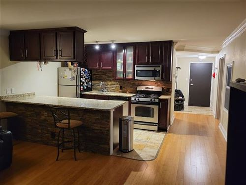Photo of 700 E 8th Street #6H, Kansas City, MO 64106 (MLS # 2351160)