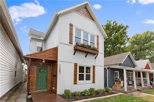 Photo of 1203 W 20 Terrace, Kansas City, MO 64108 (MLS # 2352165)