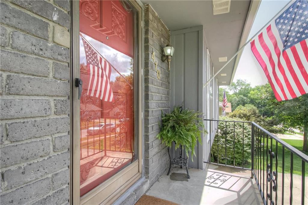 Photo of 410 Kingsley Avenue, Liberty, MO 64068 (MLS # 2232165)