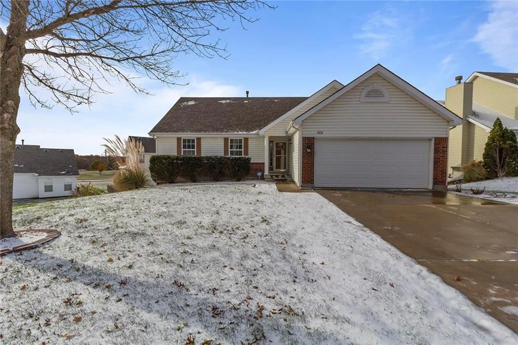 Photo for 920 Glendale Road, Liberty, MO 64068 (MLS # 2197173)