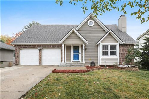 Photo of 11627 Monrovia Street, Overland Park, KS 66210 (MLS # 2248179)