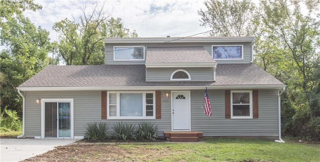 Photo for 8405 Sterling Avenue, Raytown, MO 64138 (MLS # 2188181)