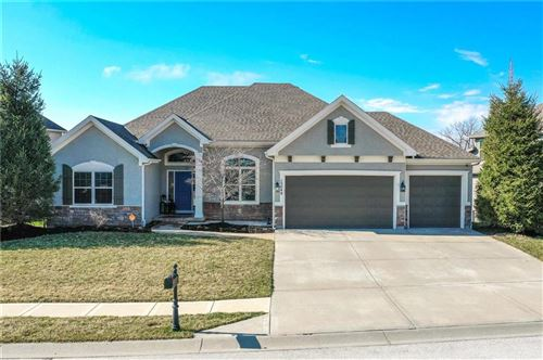 Photo of 15049 NW 66th Street, Parkville, MO 64152 (MLS # 2211229)