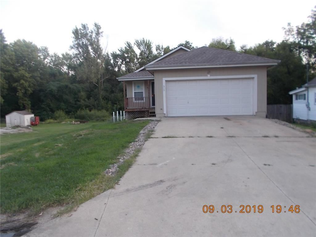 Photo for 315 Front Street, Grain Valley, MO 64029 (MLS # 2188233)