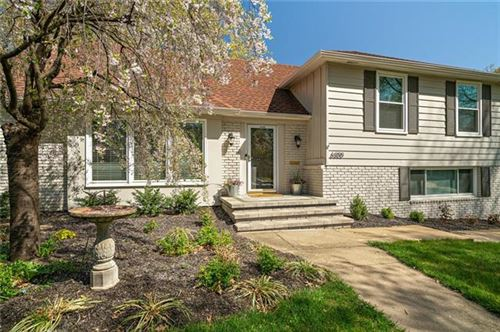 Photo of 6300 W 101st Place, Overland Park, KS 66212 (MLS # 2315237)