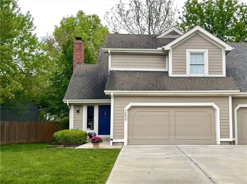 Photo of 10829 W 115th Place, Overland Park, KS 66210 (MLS # 2321244)