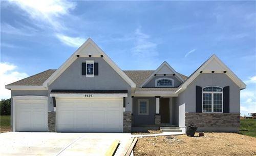 Photo of 16255 W 165th Terrace, Olathe, KS 66062 (MLS # 2351244)