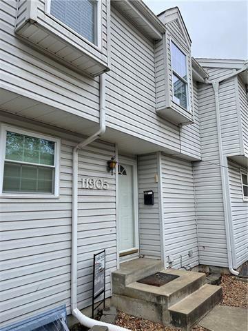 Photo of 11905 E 59TH Terrace, Kansas City, MO 64133 (MLS # 2352246)