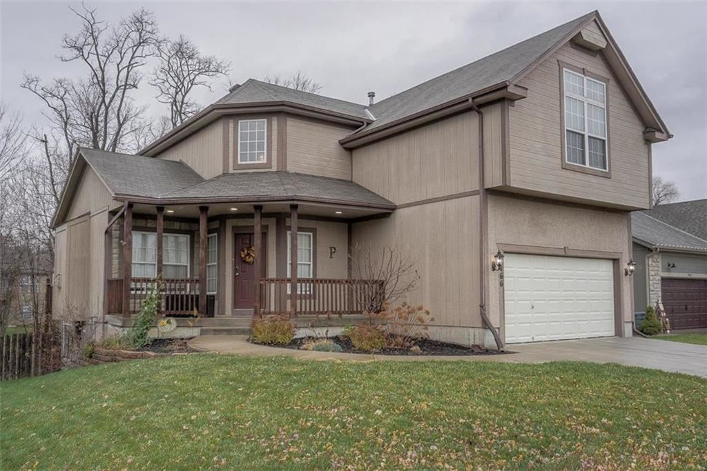 Photo of 9466 N Adrian Place, Kansas City, MO 64154 (MLS # 2251255)