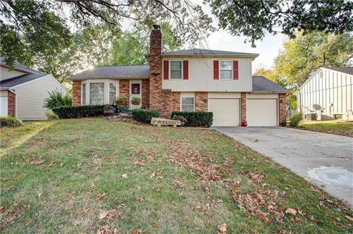 Photo of 9716 Antioch Road, Overland Park, KS 66212 (MLS # 2249263)