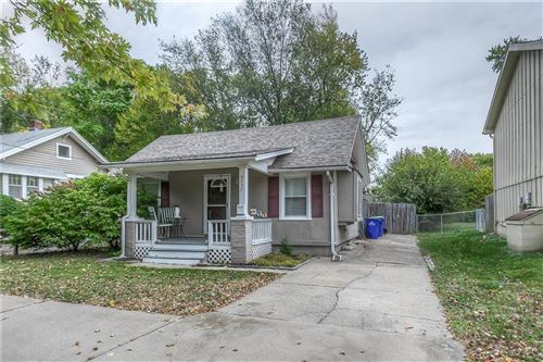 Photo of 8033 Robinson Street, Overland Park, KS 66204 (MLS # 2248273)
