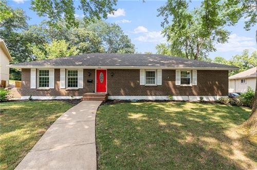 Photo of 9916 W 65th Drive, Shawnee, KS 66203 (MLS # 2337273)