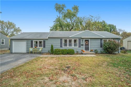 Photo of 8931 Hardy Street, Overland Park, KS 66212 (MLS # 2249274)