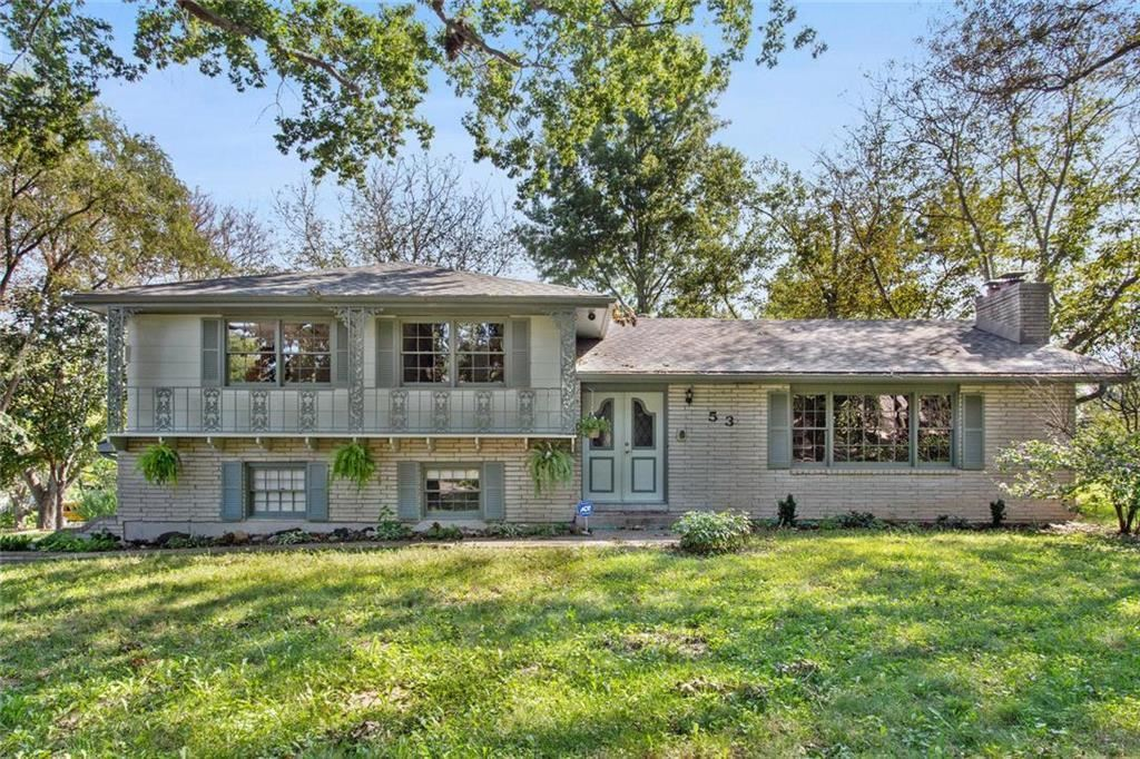 Photo for 53 Fulkerson Circle, Liberty, MO 64068 (MLS # 2195281)