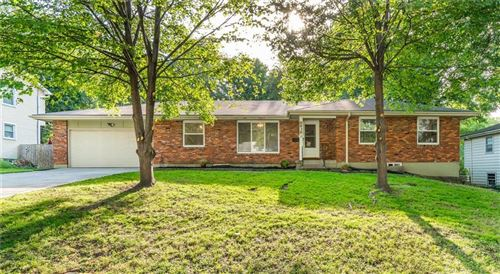 Photo of 6939 Barkley Street, Overland Park, KS 66204 (MLS # 2236287)