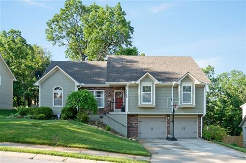 Photo of 2104 SW Brookshire Drive, Blue Springs, MO 64015 (MLS # 2336292)