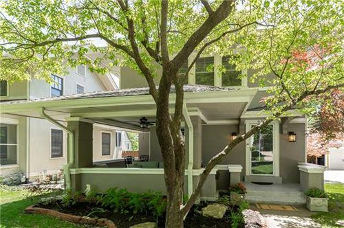 Tiny photo for 609 W 59 Terrace, Kansas City, MO 64113 (MLS # 2321316)