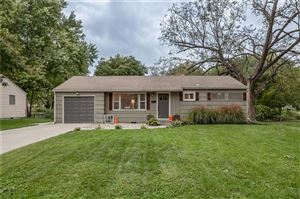 Photo of 5614 W 74th Terrace, Overland Park, KS 66204 (MLS # 2193318)