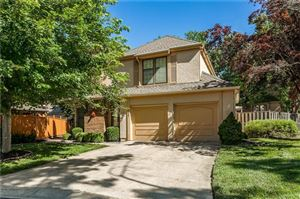 Photo of 9137 W 102nd Terrace, Overland Park, KS 66212 (MLS # 2173319)