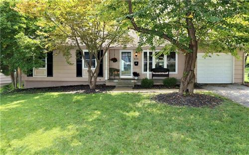 Photo of 8115 W 92nd Street, Overland Park, KS 66212 (MLS # 2243324)