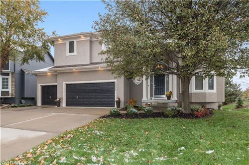 Photo of 10302 W 144 Terrace, Overland Park, KS 66221 (MLS # 2250326)