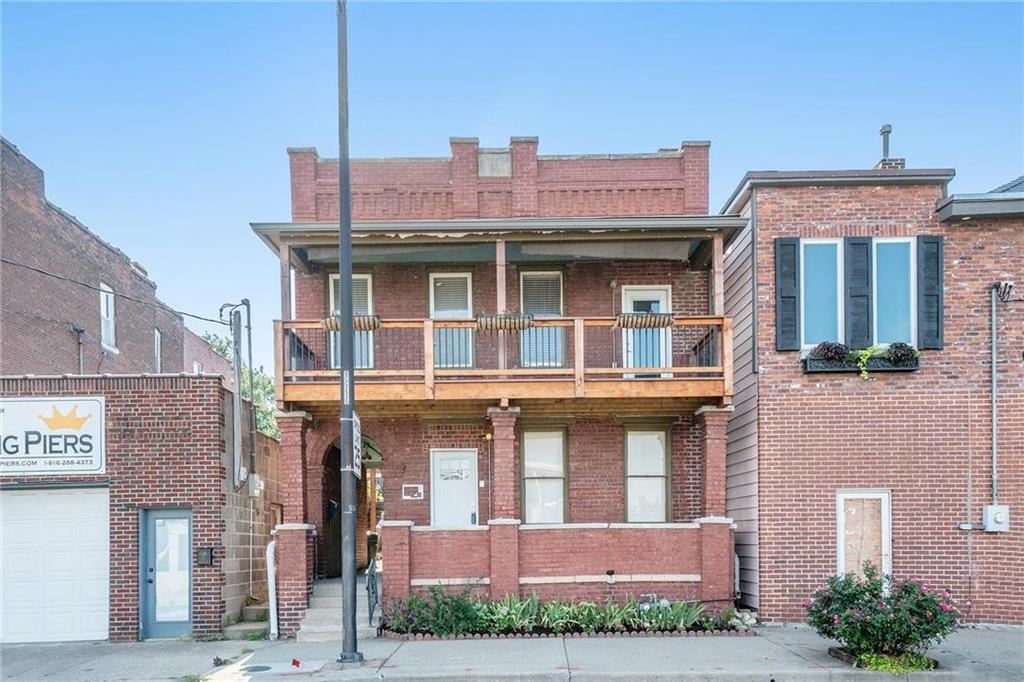Photo for 543 Troost Avenue, Kansas City, MO 64106 (MLS # 2228327)