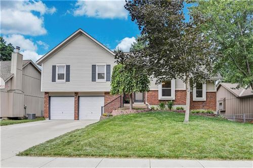 Photo of 15285 Newton Street, Overland Park, KS 66223 (MLS # 2236328)