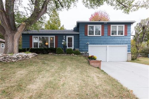 Photo of 5710 W 100th Terrace, Overland Park, KS 66207 (MLS # 2249333)