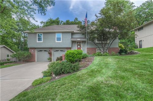 Photo of 7210 W 54th Street, Overland Park, KS 66202 (MLS # 2236351)