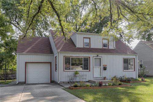 Photo of 6739 Floyd Street, Overland Park, KS 66204 (MLS # 2240351)