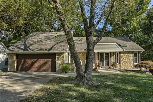 Photo of 4806 NW 80th Street, Kansas City, MO 64151 (MLS # 2243352)