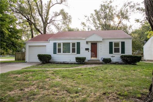 Photo of 7601 CONSER Street, Overland Park, KS 66204 (MLS # 2243367)