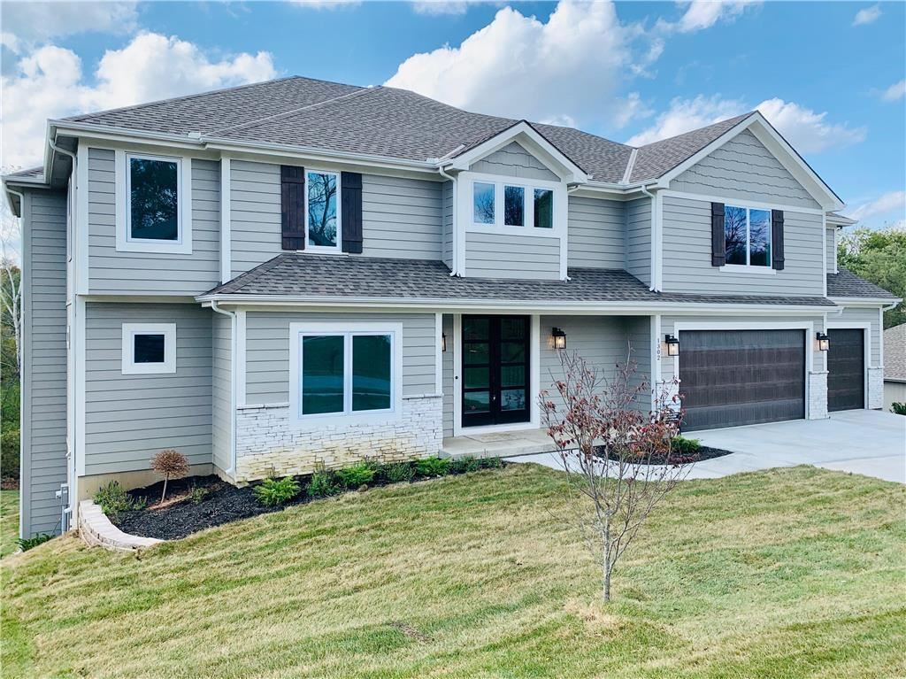 Photo of 1302 Timber Ridge Drive, Liberty, MO 64068 (MLS # 2189369)