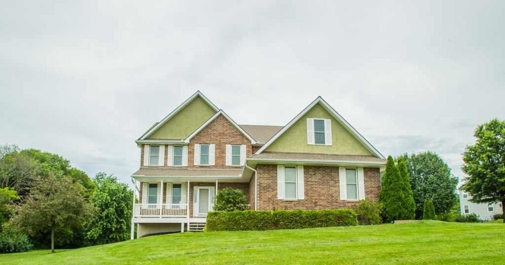 Photo of 14906 Lake Pointe Court, Liberty, MO 64068 (MLS # 2174375)