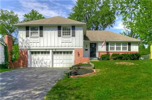 Photo of 9142 Westbrooke Drive, Overland Park, KS 66214 (MLS # 2177376)