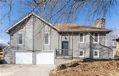 Photo of 1206 Michelle Drive, Excelsior Springs, MO 64024 (MLS # 2306377)