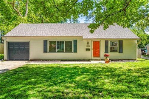 Photo of 2321 W 79 Terrace, Prairie Village, KS 66208 (MLS # 2321388)