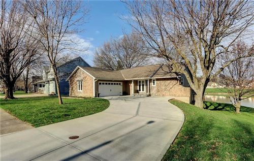 Photo of 4000 SW HIDDEN COVE Drive, Lees Summit, MO 64082 (MLS # 2214394)