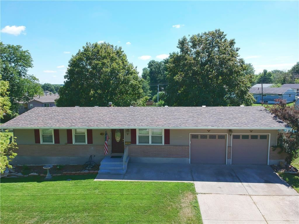 Photo for 831 N Arapaho Street, Independence, MO 64056 (MLS # 2183408)