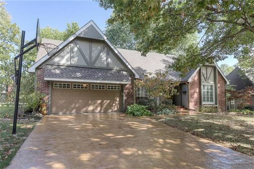 Photo of 9600 W 104th Street, Overland Park, KS 66212 (MLS # 2248409)