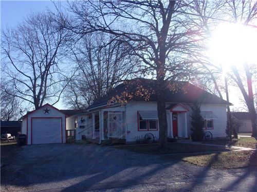 Photo of 915 5th Street, Osawatomie, KS 66064 (MLS # 2200414)