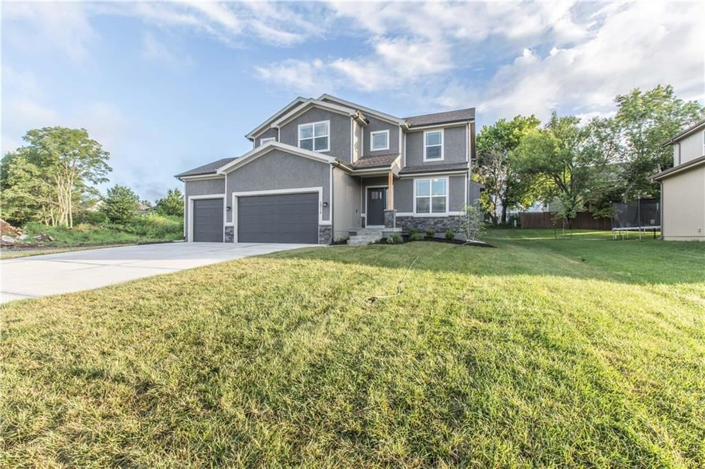 Photo for 20998 W 225th Terrace, Spring Hill, KS 66083 (MLS # 2183418)