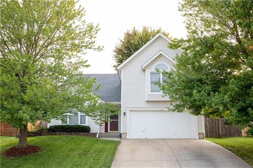 Photo of 1649 N Hunter Drive, Olathe, KS 66061 (MLS # 2243423)