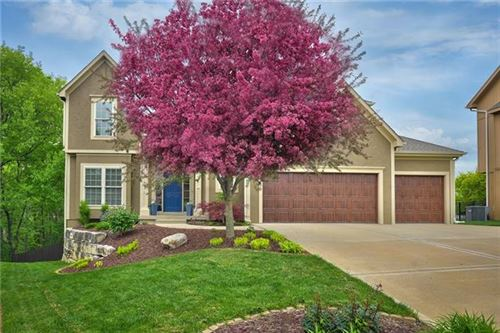 Photo of 14450 NW 60th Place, Parkville, MO 64152 (MLS # 2320427)