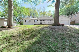 Photo of 7307 W 55th Street, Overland Park, KS 66202 (MLS # 2194428)