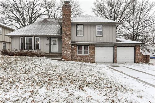 Photo of 9404 Connell Drive, Overland Park, KS 66212 (MLS # 2204433)